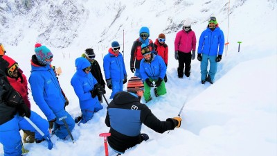 Avalanche & snow safety training - Azimut Ski Bike Mountain - www.azimut.ski