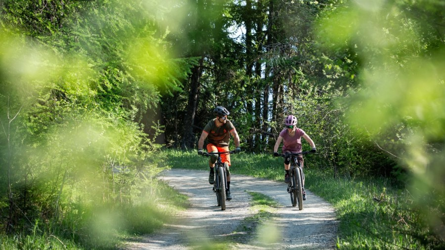 E-mountain bike - a week-end to learn to pilot your bike in the magnificent Italian Piedmont